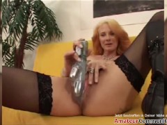 Yvette gets ass & pussy stretched with toys & hands! AMATEURCOMMUNITY.XXX